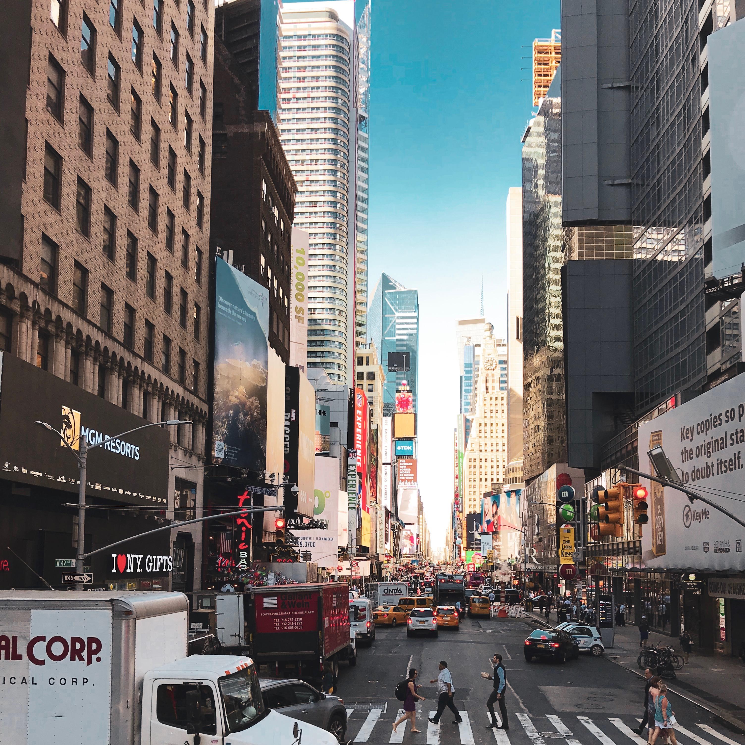 viaggio-a-new-york-manhattan-times-square-broadway